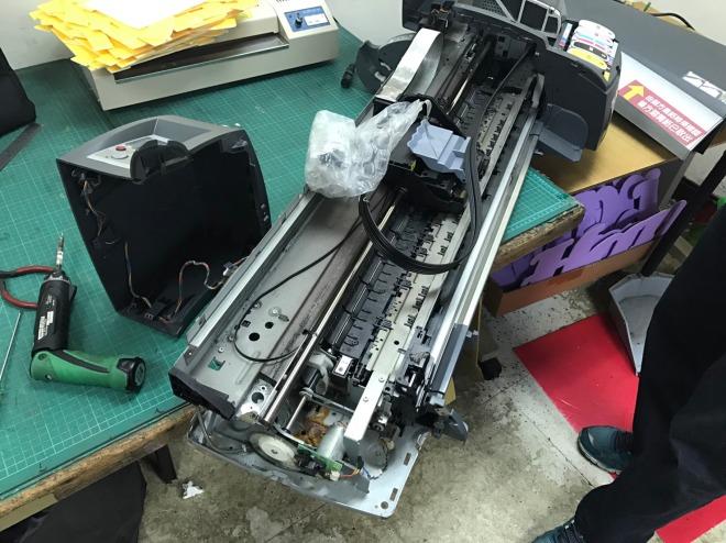 泓統資訊-HP DJ-130繪圖機更換皮帶馬達